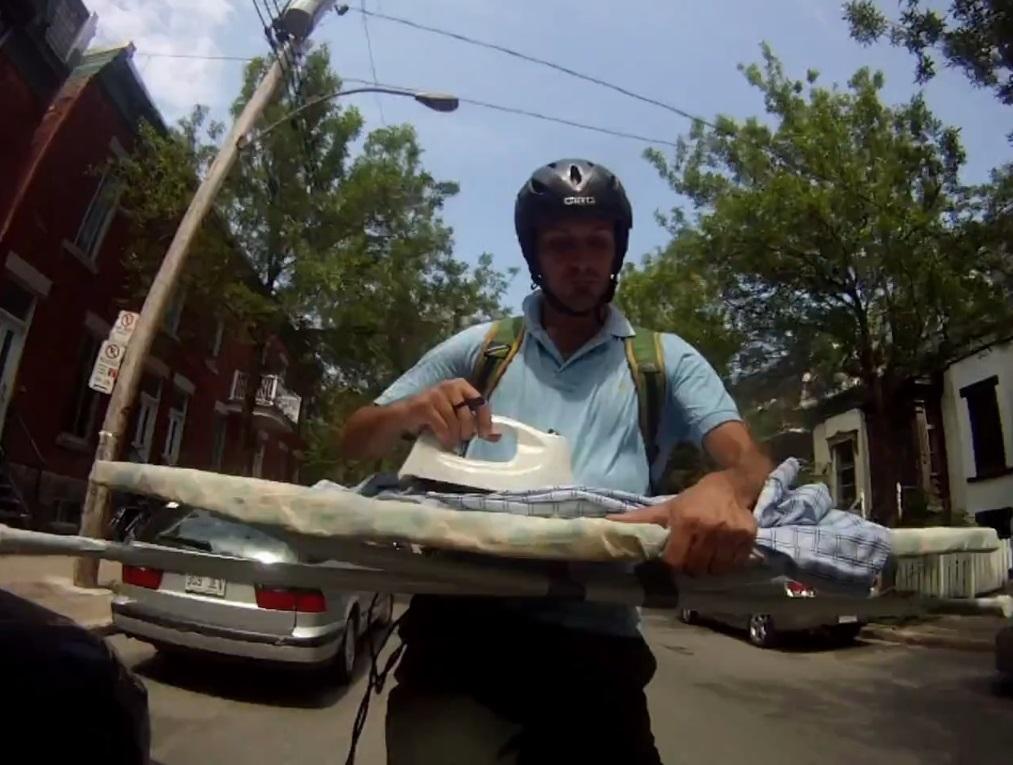 Cena de The Man Who Lived on his Bike
