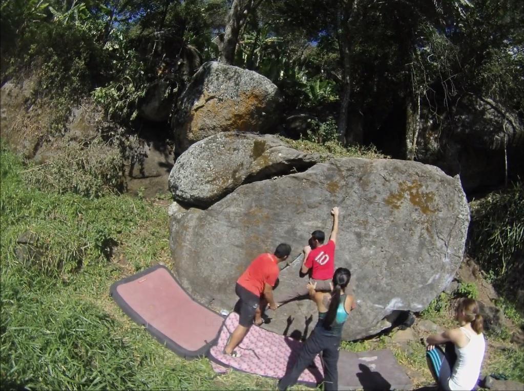 Cena de Um dia de escalada em São Bento do Sapucai